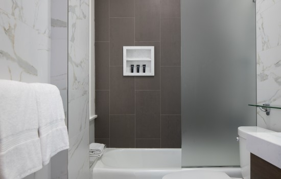 Hotel 32One - Private Bathrooms