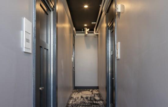 Hotel 32One - Interior Corridor